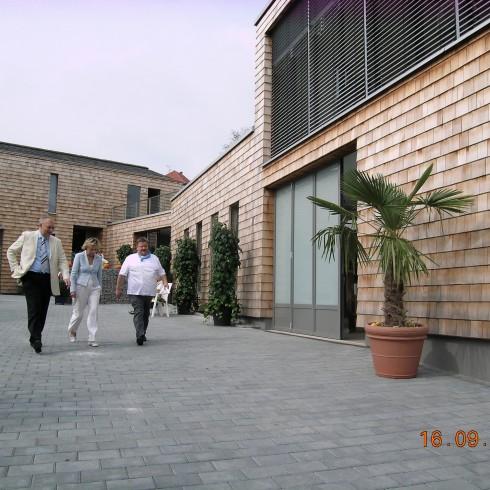 Firmengebäude - Hoftore, Holztore und Einfahrten nach Maß in der Rhein-Main-Neckar-Region