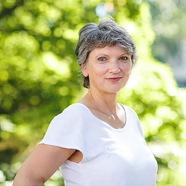 Bettina Heinrich - Hoftore, Holztore und Einfahrten nach Maß in der Rhein-Main-Neckar-Region